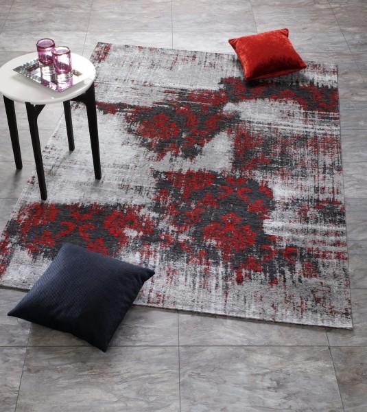 Vintage Teppich in grau rot mit Ornamenten